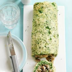 16 roulade recipes for that ultimate dinner-party showstopperghkuk Vegetarian Christmas Recipes, Vegetarian Main Dishes, Vegetarian Meals, Best Christmas Cake Recipe, Veggie Recipes, Cooking Recipes, Veggie Food, Healthy Recipes, Roulade Recipe