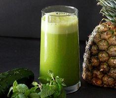 Pineapple Cucumber mint juice recipe ~ weight loss juice feast ~ ripe pineapple, 2 cucumbers, 1 bunch of mint Weight Loss Juice, Weight Loss Meals, Weight Loss Smoothies, Healthy Juices, Healthy Smoothies, Healthy Drinks, Simple Smoothies, Yogurt Smoothies, Juice Smoothie
