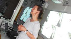 Som et ledd i de kunst- og kulturopplevelser som Akershus fylkeskommune tilbyr gjennom Den Kulturelle Skolesekken, fikk Rud i dag besøk av produktdesigner Kristine Bjaadal.