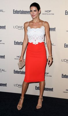 Angie Harmon Photos - Actress Angie Harmon attends the 2015 Entertainment Weekly Pre-Emmy Party at the Fig & Olive Melrose Place on September 18, 2015 in West Hollywood, California. - 2015 Entertainment Weekly Pre-Emmy Party - Arrivals