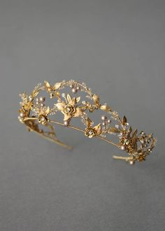 We designed and created this delicate yet sophisticated, grand gold wedding crown with mushroom and silver crystal accents for Alexandra. Cute Jewelry, Hair Jewelry, Wedding Jewelry, Jewelry Necklaces, Fashion Jewelry, Wedding Rings, Bridal Tiara, Headpiece Wedding, Wedding Veils