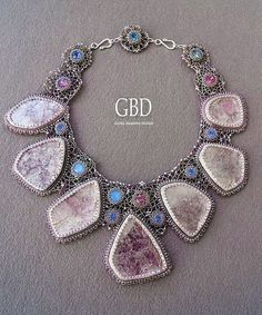 Guzel Bakeeva is famous talented bead artist from Russia. She makes unique beaded jewelry and