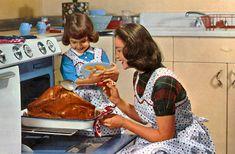 1950's Thanksgiving [http://vintagehome.tumblr.com/image/20697336791#]