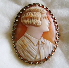 ANTIQUE SHELL PORTRAIT CAMEO BROOCH 10K GOLD