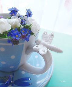dragonfly teacup with blue forget-me-nots