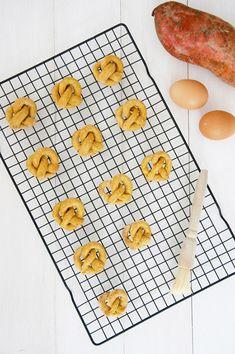 Dog-I-Y: Easy Homemade Sweet Potato Pretzel Dog Treats