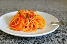 Scott conant's spaghetti with tomato and basil sauce