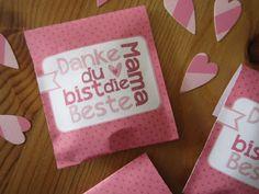 larissaswelt: DIY Teebeutelanhänger, Teebeutelverpackung, Klappkarte & Postkarte zum Muttertag...  For free