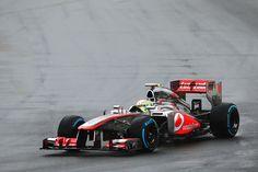 Sergio Pérez estuvo cerca de impactar con la barda, pero frenó a tiempo. (Foto: Getty) #F1 #AusGP