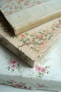 These beautiful old books make me want to cry - they're soooo pretty.