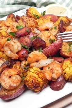 All the flavors you love in a shrimp boil in a fraction of the time and with a lot less mess--thanks to the air fryer! Air Fryer Recipes Snacks, Air Fryer Recipes Breakfast, Air Frier Recipes, Air Fryer Dinner Recipes, Air Fryer Recipes Shrimp, Seafood Recipes, Cooking Recipes, Healthy Recipes, Cooking Tips