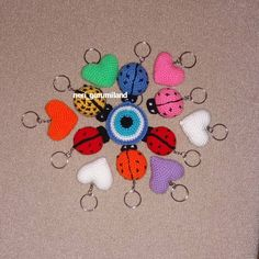 "25 Beğenme, 1 Yorum - Instagram'da neri gurumiland (@neri_gurumiland): ""Anahtarlıklarım#amigurumi#amigurumiart #crochet #crochetlove ##knitting #knitaddict #handmade…"""