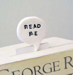 Read me bookmark text in polymer clay speech bubble comic geek text. €15.00, via Etsy. Bookmark | DIY | For Book | Marcador de Página