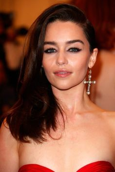 Emilia Clarke | The Definitive Ranking Of The Best Celebrity Eyebrows