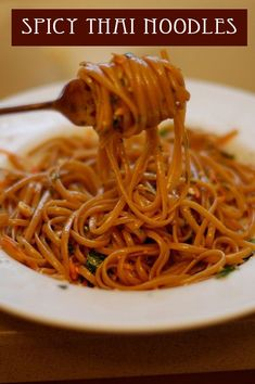 Spicy Thai noodles - use red pepper flakes; 2 boxes pad thai noodles (or the sauce). Think Food, I Love Food, Good Food, Yummy Food, Tasty, Yummy Thai, Vegetarian Recipes, Cooking Recipes, Healthy Recipes