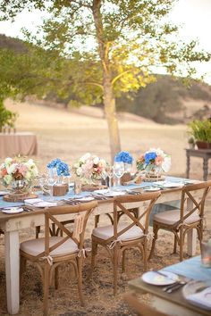 great table and surroundings for a summer dinner outdoors