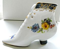 LIMOGES PORCELAIN VICTORIAN SHOE BOOT BOOTIE FIGURINE PINK BLUE YELLOW W/GOLD #Limoges