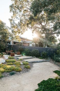 Inspiration for my backyard landscaping project – Australian Landscaping Coastal Gardens, Beach Gardens, Outdoor Gardens, Australian Garden Design, Australian Native Garden, Backyard Garden Design, Backyard Landscaping, Landscaping Ideas, Hillside Garden