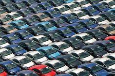 آي.اتش.اس: توقع ارتفاع مبيعات السيارات عالميا 1.5% في 2017 - آي.اتش.اس: توقع ارتفاع مبيعات السيارات عالميا 1.5% في 2017 (رويترز)  قالت آي.اتش.اس ماركت يوم الثلاثاء إن المخاطر على صناعة السيارات العالمية في 2017 أكبر من أي وقت مضى منذ الأزمة المالية العالمية لعامي 2008 و2009 لكن المبيعات هذا العام قد ترتفع 1.5 بالمئة إلى 93.5 مليون سيارة جديدة. وقال هينر لين مدير سوق السيارات العالمية لدى آي.اتش.اس الضبابية السياسية قد تضر بمبيعات السيارات الخفيفة في كل من الولايات المتحدة وأوروبا في الوقت…