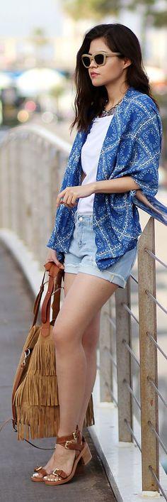 Printed Kimono Casual Streetstyle by Fake Leather. J'aime tout : la simplicité, les chaussures, le kimono et le sac ♥