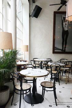Bistro Design, Cafe Design, Bistro Interior, Restaurant Interior Design, Restaurant Furniture, Restaurant Tables, Hotel Boutique, French Coffee Shop, Lenotre
