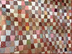 Leader & Ender 2015 - Tumbler Quilt via Quiltville's Quips & Snips. Antique Quilts, Vintage Quilts, Pattern Blocks, Quilt Patterns, Tumblers, Tumbler Quilt, Scrappy Quilts, Quilting, Charm Quilt