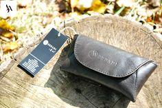 Toc pentru ochelari din piele naturala 9 -negru -captusita cu piele neagra -dimensiuni: l=15cm h=8cm g=3cm  PRET: 45 lei