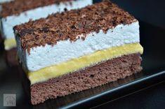 Prajitura Krem a la Krem Romanian Desserts, Romanian Food, Sweets Recipes, Cookie Recipes, Delicious Desserts, Yummy Food, Torte Cake, Sweet Tarts, Dessert Drinks