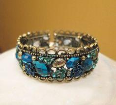 beautyblingjewelry: Blue-Bangle-Bracelet fashion love