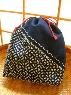 Japanese Embroidery Silk I know Sashiko is to be redblack or indigo but I don't want be limited. Tradition is classic though Silk Ribbon Embroidery, Embroidery Art, Cross Stitch Embroidery, Embroidery Patterns, Japanese Embroidery, Japanese Fabric, Japanese Textiles, Boro, Shashiko Embroidery