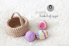 A simple and quick-to-do basket with colorful eggs! Great for Easter decor and kids! This Little Basket of Eggs was made to match The Traveling Tu Family. Holiday Crochet, Crochet Home, Easy Crochet, Crochet Baby, Free Crochet, Easter Crochet Patterns, Crochet Patterns For Beginners, Flower Patterns, Valentine Baskets