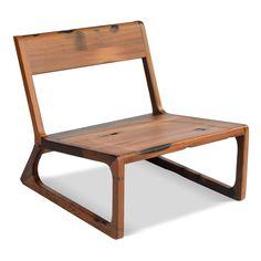 Holz pur, Natur pur. Der perfekte Sessel für einen Flirt auf der Gartenparty