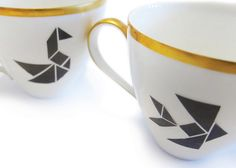3 different elegant tangram-motives. Très chic on mugs and plates. Due to the easy step-by-step-instruction nothing can go wrong. Have fun pimping your porcelain! The porcelain will be washable after baking in the home oven. Size: please look at photo with overview of all the motives that are included. Visit me on: www.nuukk.com