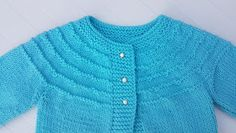 JUBILOCIOS: CHAQUETA FÁCIL CON CANESÚ PARA BEBÉS Baby Knitting Patterns, Crochet, Free Pattern, Sweaters, Wicca, Fashion, Baby Things, Templates, Outfits
