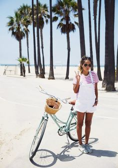Venice Beach Diary - October 28 2018 at Fashion Mode, Denim Fashion, Sneakers Fashion, Girl Fashion, Net Fashion, Beach Fashion, Fashion Dresses, Venice Beach, Salopette Jeans