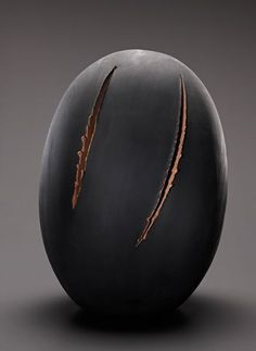 Lucio Fontana > Concept Spatial Known for his slashing penetrations on canvas, metal and sculptural forms. Art Sculpture, Abstract Sculpture, Ceramic Sculptures, Contemporary Sculpture, Contemporary Art, Art Abstrait, Ceramic Artists, Land Art, Ceramic Pottery