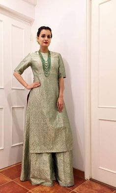 3 Dia Mirza Kurta's Which You Can Make From Old Silk And Brocade Sarees – Fashion in India – Threads Silk Kurti Designs, Kurta Designs Women, Kurti Designs Party Wear, Saree Blouse Designs, Indian Fashion Dresses, Dress Indian Style, Pakistani Dresses, Indian Outfits, Designer Kurtis