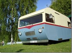 I just love Saab Motorhomes! Old Campers, Vintage Campers Trailers, Vintage Caravans, Camper Trailers, Airstream, Tin Can Tourist, Classic Campers, Camper Caravan, Vintage Rv