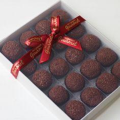Presente com Brigadeiro de Chocolate ao Leite (20 unid) - Encomenda Gourmet