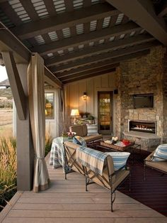 porch - contrasting paint ceiling/beams