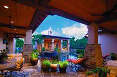 Gallery   Keith Zars Pools, San Antonio LR: Now imagine a screen above.