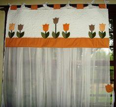tampo em patchwork, manta de fibra e forro, bordado em aplicação, quiltada. R$145,00