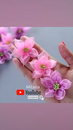 Organza Flowers, Diy Flowers, Paper Flowers Craft, Handmade Flowers, Flower Crafts, Fabric Flowers, Fondant Flower Tutorial, Pinterest Diy Crafts, Homemade Bows