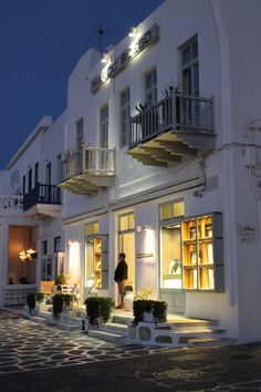 Every evening the colors are different... One of the reasons one cannot get enough of Mykonos!