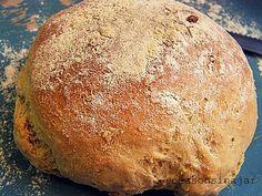 Θα χρειαστούμε: 800 γρ. αλεύρι κίτρινο 20 γρ. μαγιά νωπή 2 κ.σ. ελαιόλαδο 1 κ.γλ. ζάχαρη 1 κ.γλ. κοφτή αλά... Bread Art, Greek Cooking, Croissants, Greek Recipes, Food Processor Recipes, Tart, Sandwiches, Pie, Breads