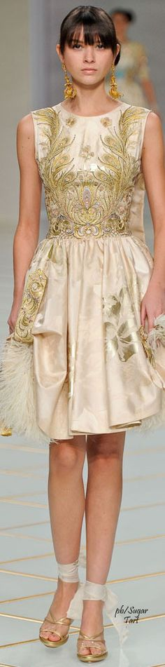 Guo Pei Spring 2016 Couture women fashion outfit clothing style apparel @roressclothes closet ideas