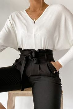 All you need to build your empire is coffee, contour, and the Lulus With Confidence Black Paper Bag Waist Pants! Chic high waisted pants with tying sash. Casual Work Outfits, Work Casual, Girly Outfits, Women Work Outfits, Cute Pants Outfits, Fall Office Outfits, Chic Office Outfit, Sporty Chic Outfits, Business Casual Outfits For Women