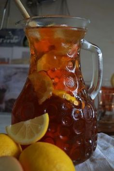 Put together wholesome iced tea with out sugar Fruit Drinks, Smoothie Drinks, Healthy Drinks, Iced Tea Recipes, Good Food, Yummy Food, Fruit Water, Homemade Ice, Summer Drinks