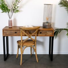 Meuble console en bois recyclé. Fabriquée en bois et métal, cette console possède 2 tiroirs pratiques pour y ranger vos objets. Vous pouvez l'installer dans l'entrée, dans votre salon ou votre chambre. Son style industriel s'affirme grâce au bois brut recyclé utilisé pour sa fabrication. Dimensions utiles : 120x40cm, hauteur totale de 79cm. La console BRISBANE peut être mariée avec tous les autres meubles de la collection pour une ambiance campagne industrielle dans votre intérieur. Dimensions, Brisbane, Office Desk, Ranger, Furniture, Collection, Home Decor, Tree Furniture, Recycled Wood
