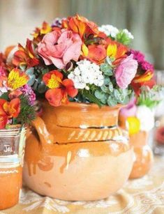 Quinceanera Party Planning – 5 Secrets For Having The Best Mexican Birthday Party Mexican Birthday Parties, Mexican Fiesta Party, Fiesta Theme Party, Party Themes, Quinceanera Decorations, Quinceanera Party, Mexican Themed Weddings, Mexican Party Decorations, Table Decorations